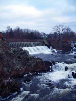 Putnam River Trail/Cargill Falls