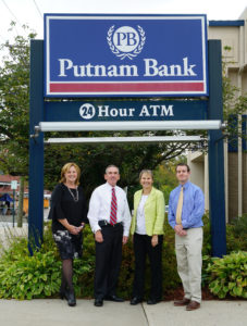 Putnam Bank Supports TLGV Programs with Significant Donation