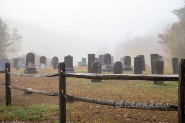 E Linkkila-foggy-chaplin-cemetery-October 2015-Chaplin