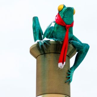 frog_statue