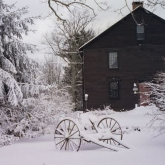 house_and_snow